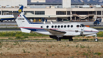 F-ZBGM - Beechcraft B300 King Air 350 - France - Customs