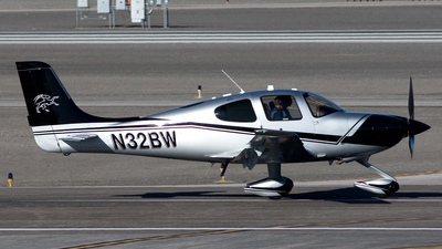 A picture of N32BW - Cirrus SR22T - [0783] - © Jeremy D. Dando