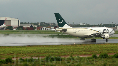AP-BGN - Airbus A310-324 - Pakistan International Airlines (PIA)