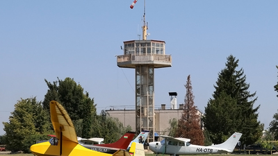 LHDV - Airport - Control Tower