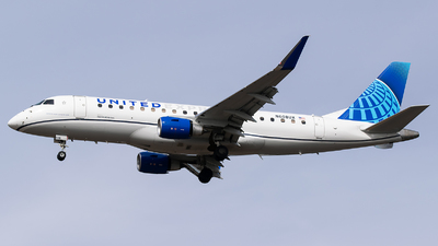 A picture of N608UX - Embraer E175LL - United Airlines - © Evan Dougherty