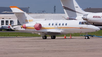 ZS-BOT - Hawker Beechcraft 900XP - Private