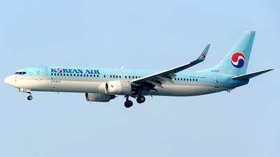 HL8221 - Boeing 737-9B5ER - Korean Air
