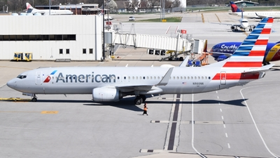 A picture of N980NN - Boeing 737823 - American Airlines - © ER5400