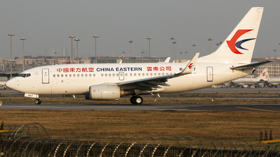 A picture of B5827 - Boeing 73776D - China Eastern Airlines - © San Myshuno