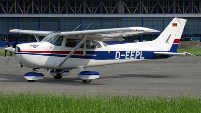 A picture of DEEPL - Cessna F172N Skyhawk II - [F17201539] - © Mirko Bleuer