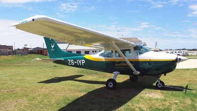 ZS-IYP - Cessna 182 - South Africa - National Parks