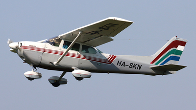 HA-SKN - Cessna R172K Hawk XP II - Private
