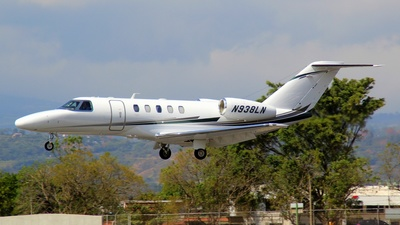 N938LN - Cessna 525C CitationJet 4 - Private