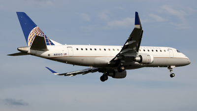 A picture of N89315 - Embraer E175LR - United Airlines - © wangruoyao