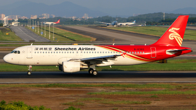 B-6360 - Airbus A320-214 - Shenzhen Airlines