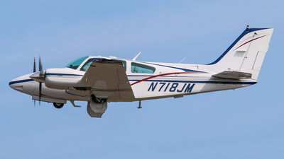 A picture of N718JM - Beech 95B55 Baron - [TC2257] - © Gary Guy