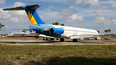 N861ZX - McDonnell Douglas MD-83 - Untitled
