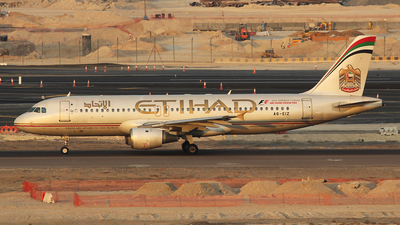A6-EIZ - Airbus A320-211 - Etihad Airways