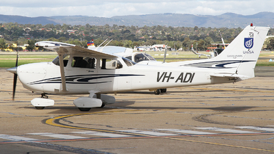 VH-ADI - Cessna 172S Skyhawk SP - University of South Australia
