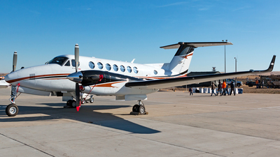 N350KR - Beechcraft B300 King Air 350i - Private