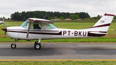 PT-BKU - Cessna 150J - Aerodinâmica Escola de Aviação