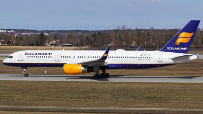 TF-ISJ - Boeing 757-256 - Icelandair