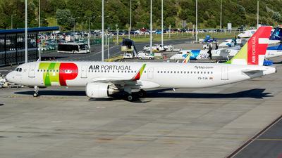 A picture of CSTJN - Airbus A321251N - TAP Air Portugal - © Eduardo Paixao Silva