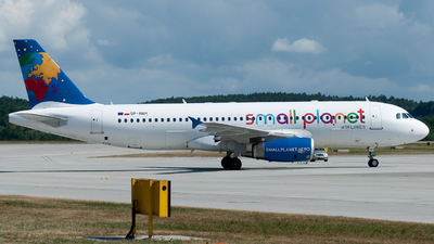 SP-HAH - Airbus A320-233 - Small Planet Airlines Polska