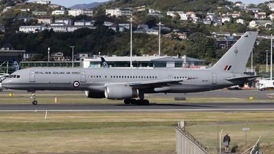 NZ7571 - Boeing 757-2K2 - New Zealand - Royal New Zealand Air Force (RNZAF)