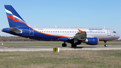 A picture of VPBKC - Airbus A320214 - Aeroflot - © Marin Ghe.