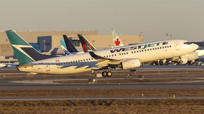 A picture of CFWSE - Boeing 7378CT - WestJet - © Tianyi Liu