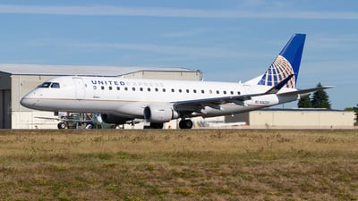 A picture of N162SY - Embraer E175LR - United Airlines - © Giuseppe Battioli