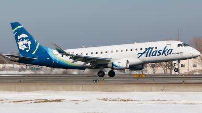 A picture of N620QX - Embraer E175LR - Alaska Airlines - © Alec Mollenhauer