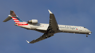 A picture of N504AE - Mitsubishi CRJ701ER - American Airlines - © Jeremy D. Dando