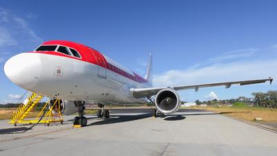 N595EL - Airbus A318-111 - Untitled