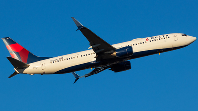 A picture of N871DN - Boeing 737932(ER) - Delta Air Lines - © Andrew Jeng