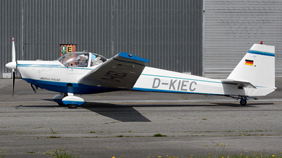 D-KIEC - Scheibe SF.25C Falke - Private