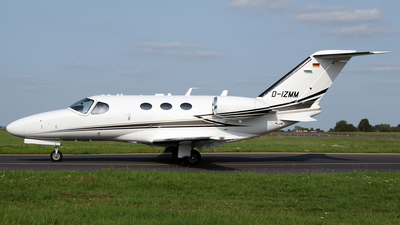 A picture of DIZMM - Cessna 510 Citation Mustang - [5100386] - © Terry Wade