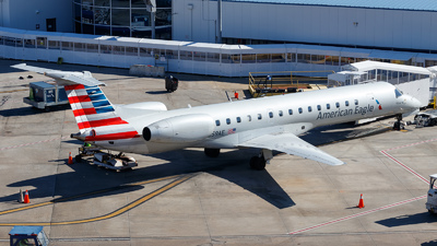 A picture of N659AE - Embraer ERJ145LR - American Airlines - © Oliver Richter