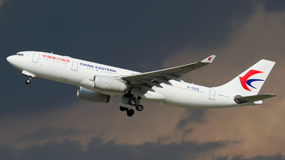 B-5921 - Airbus A330-243 - China Eastern Airlines