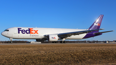 A picture of N183FE - Boeing 767300F(ER) - FedEx - © Chrisjake