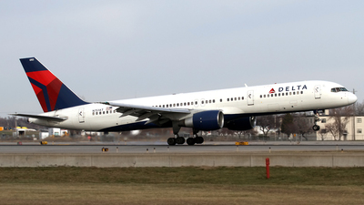 A picture of N751AT - Boeing 757212 - [23125] - © Jeremy D. Dando