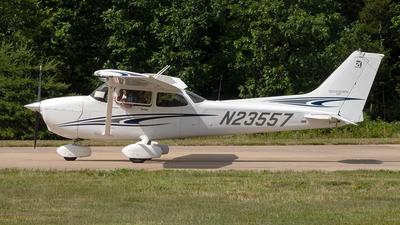 N23557 - Cessna 172S Skyhawk - Private