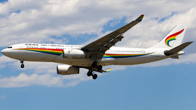 B-8951 - Airbus A330-243 - Tibet Airlines