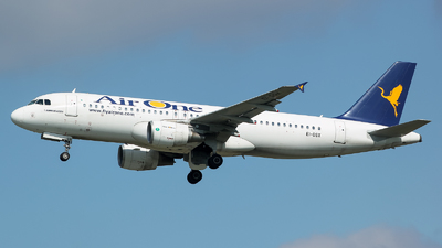 EI-DSX - Airbus A320-216 - Air One