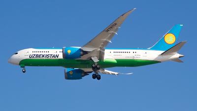 A picture of UK78704 - Boeing 7878 Dreamliner - Uzbekistan Airways - © Sebastian J Colaizzi