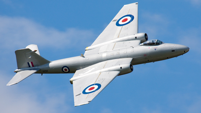 G-OMHD - English Electric Canberra PR.9 - Private