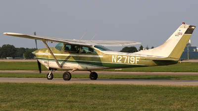 A picture of N2719F - Cessna 182J Skylane - [18256819] - © Eric Page Lu