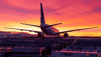 VP-BLI - Boeing 777-21H(ER) - IrAero
