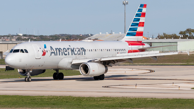 N657AW - Airbus A320-232 - American Airlines
