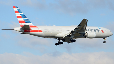 A picture of N776AN - Boeing 777223(ER) - American Airlines - © Henrik Hedde