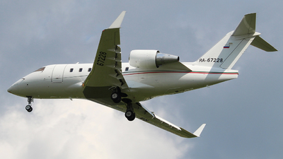 RA-67228 - Bombardier CL-600-2B16 Challenger 604 - Aviaservice
