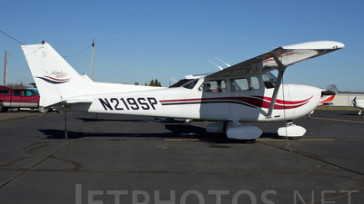 N219SP - Cessna 172S Skyhawk SP - Private