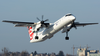 A picture of SPEQH - De Havilland Canada Dash 8400 - LOT - © Vasia Mechanic